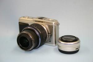 OLYMPUS デジタルカメラ(E-P1ツインレンズキット)