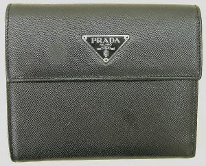 PRADA 三つ折り財布 M170A