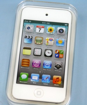 Apple iPod touch MD057J/A 8GB