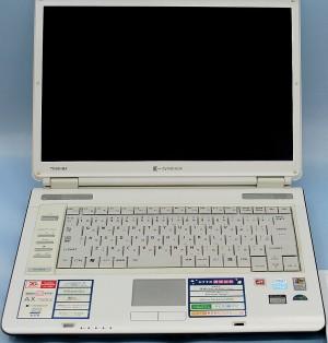 東芝 ノートパソコン dynabook AX/740LS
