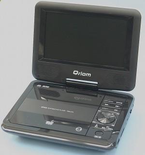 QRIOM ポータブルDVDプレーヤー PDM-C74