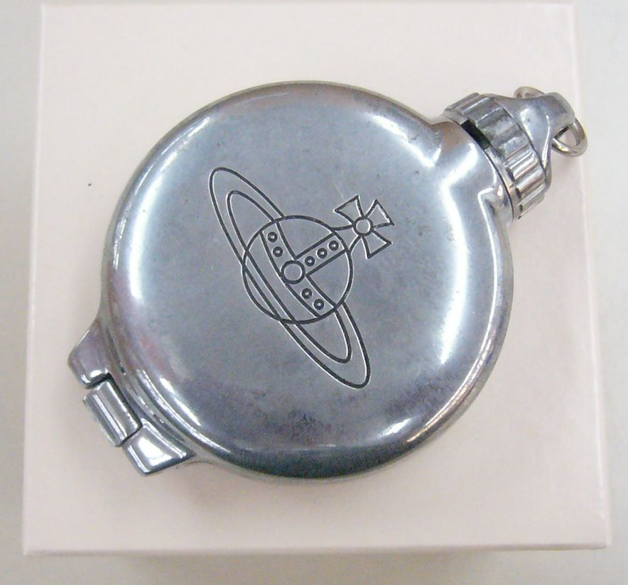 Vivienne Westwood 携帯灰皿