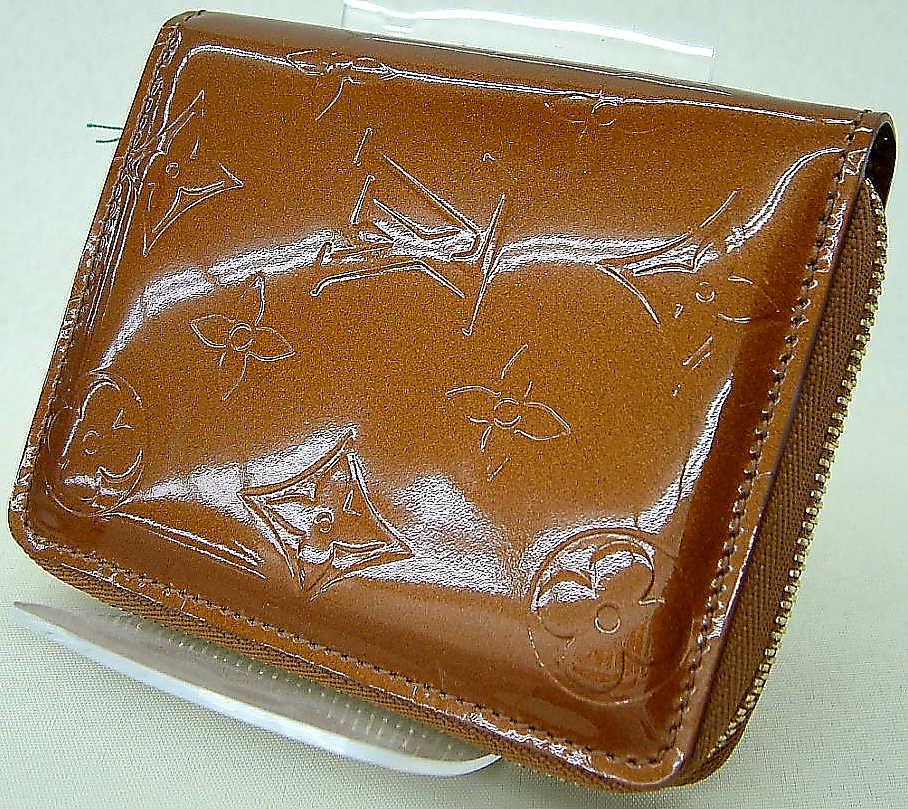 LOUIS VUITTON ラウンドファスナー財布 ブルーム