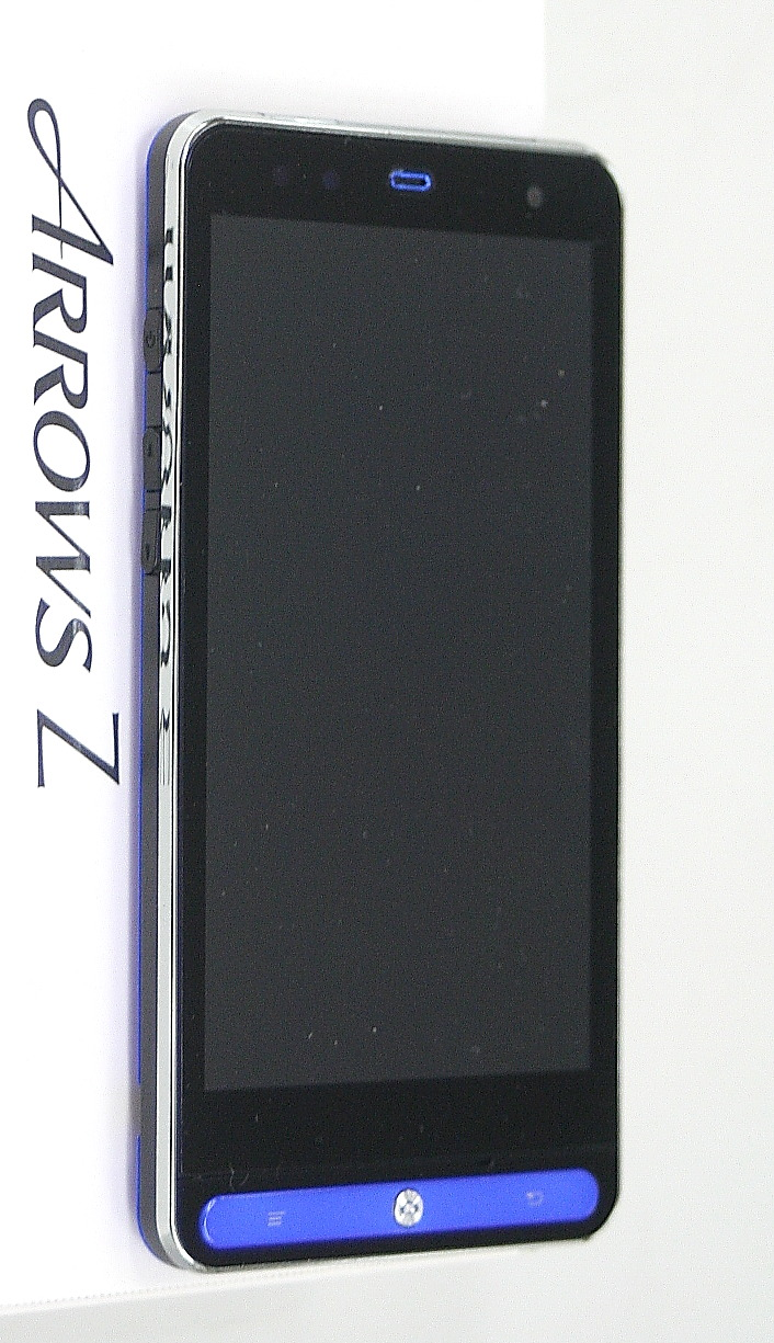au スマートフォン ARROWS Z ISW11F