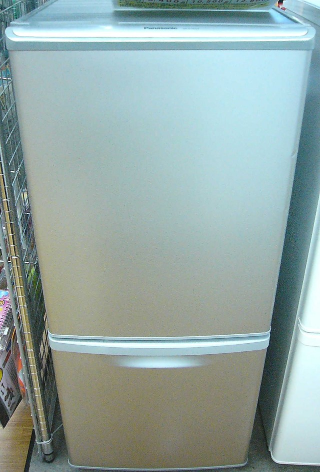 Panasonic 冷蔵庫 NRB142W