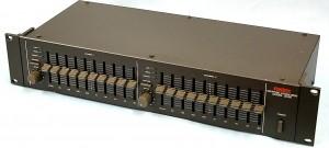 FOSTEX グラフィックイコライザー 3030