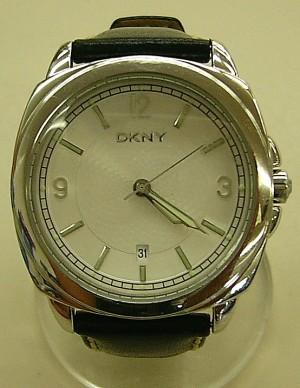 DKNY 腕時計