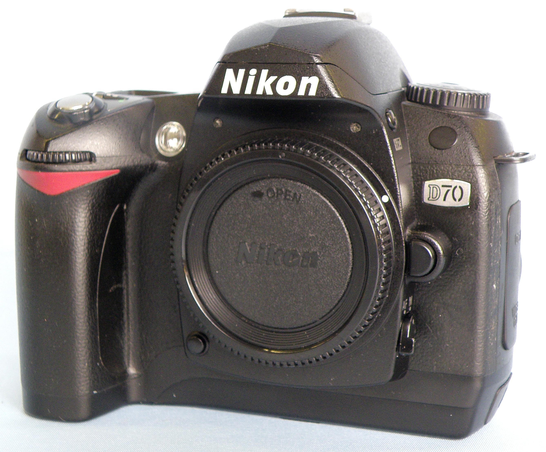 Nikon デジタル一眼カメラ D70