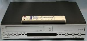 東芝 DVDレコーダー AK-V100