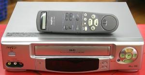 SANYO VHSデッキ VZ-H680
