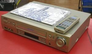 Victor VHSデッキ HR-VXG300