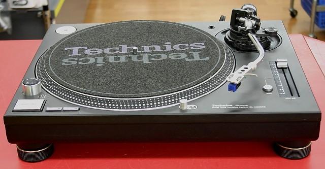 Technics ターンテーブル SL-1200MK5
