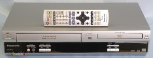 Panasonic VHS/DVDプレーヤー NV-VP33