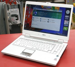 FUJITSU ノートパソコン FMVNFC50WG