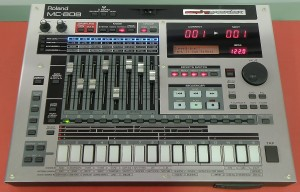 Roland GROOVE BOX MC-808