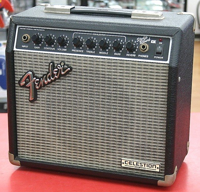 Fender ギターアンプ SR-15CE
