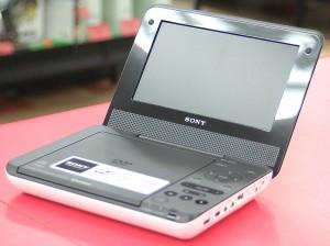 SONY ポータブルDVDプレーヤー DVP-FX750