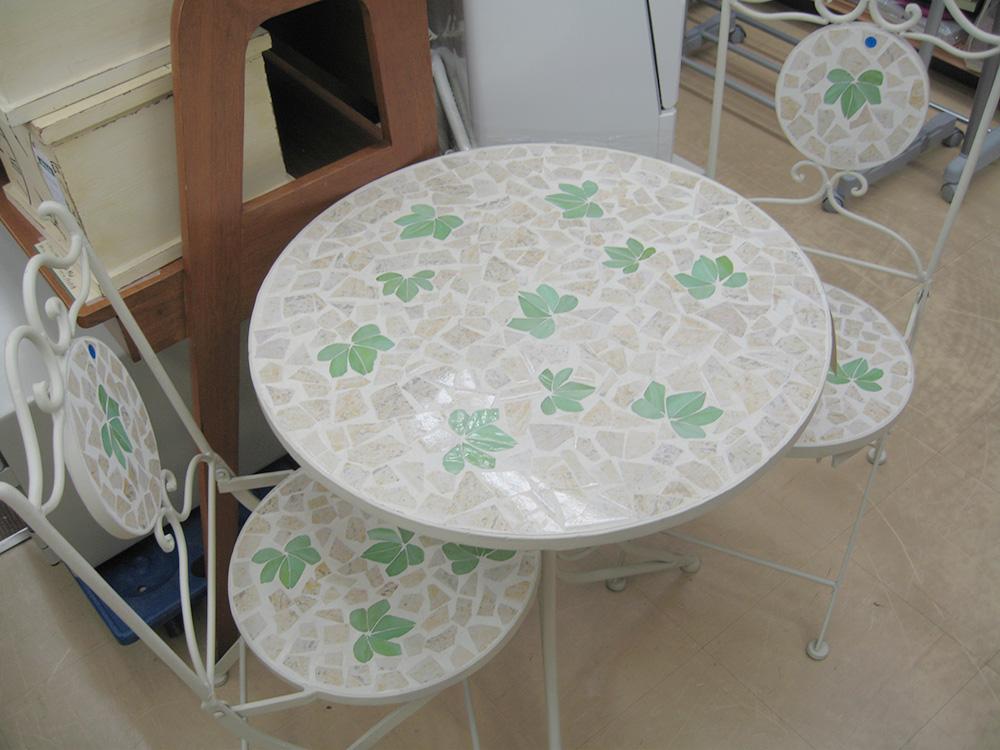 ガーデンテーブル(二脚セット)入荷しました!! 名古屋・三河の総合リサイクルショップ オフハウス三河安城店
