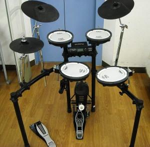 Roland 電子ドラム|名古屋・三河の総合リサイクルショップ ハードオフ西尾店