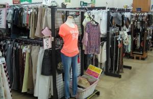 レディースコーナー夏物衣料が充実してます!!| オフハウス三河安城店