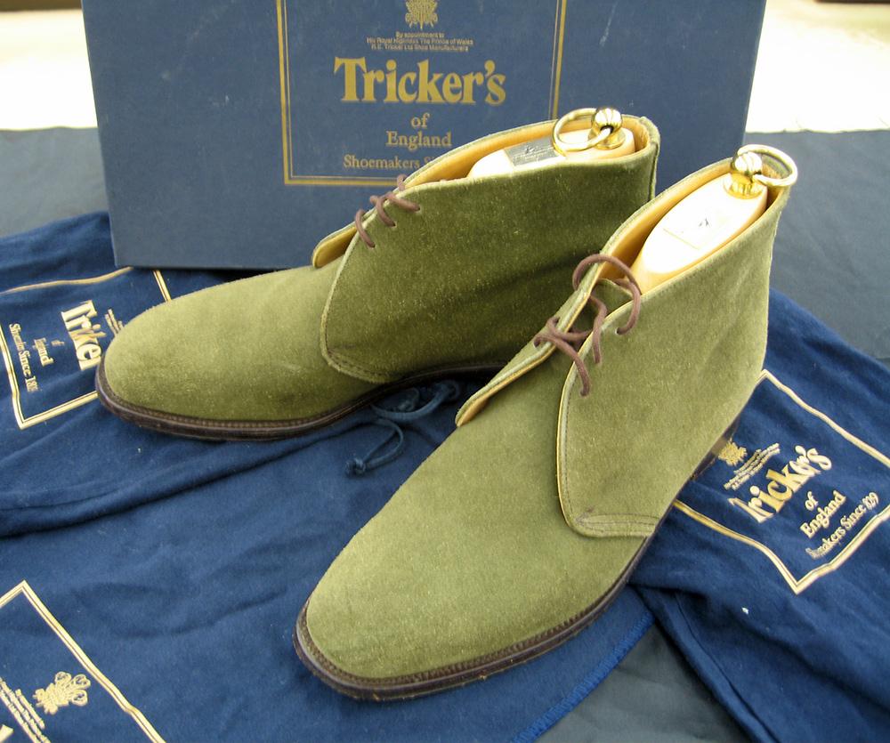 英国の老舗トリッカーズのスエード・チャッカ・ブーツ  オフハウス三河安城店