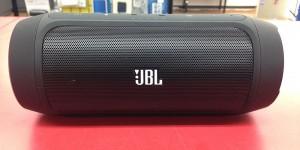 JBL Bluetoothスピーカー CHARGE2