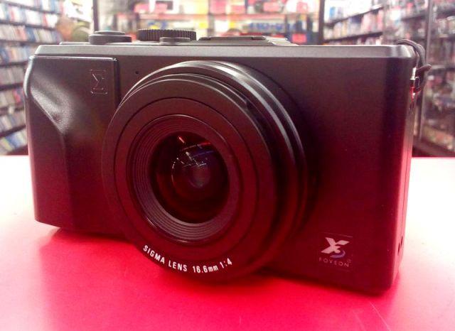 SIGMA デジタルカメラ DP1買取!| ハードオフ三河安城店