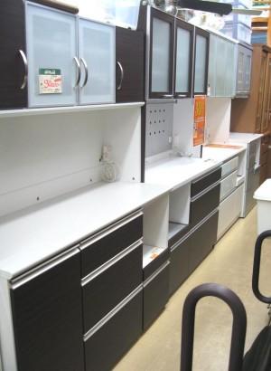 【SALE情報】食器棚!!!| オフハウス三河安城店