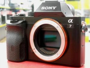 SONY α7 ILCE-7K レンズキット| ハードオフ西尾店