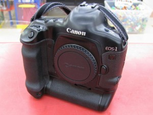 Canon アナログ一眼レフカメラ EOS-1V| ハードオフ三河安城店