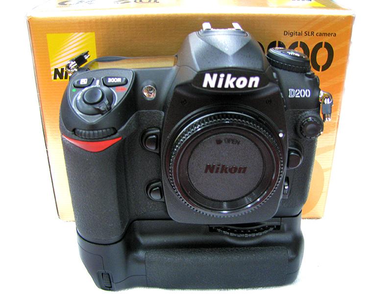 Nikon デジタル一眼カメラ D200+MB-D200 ハードオフ三河安城店