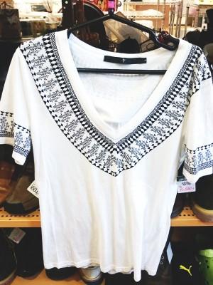 NOID VネックTシャツ| オフハウス西尾店