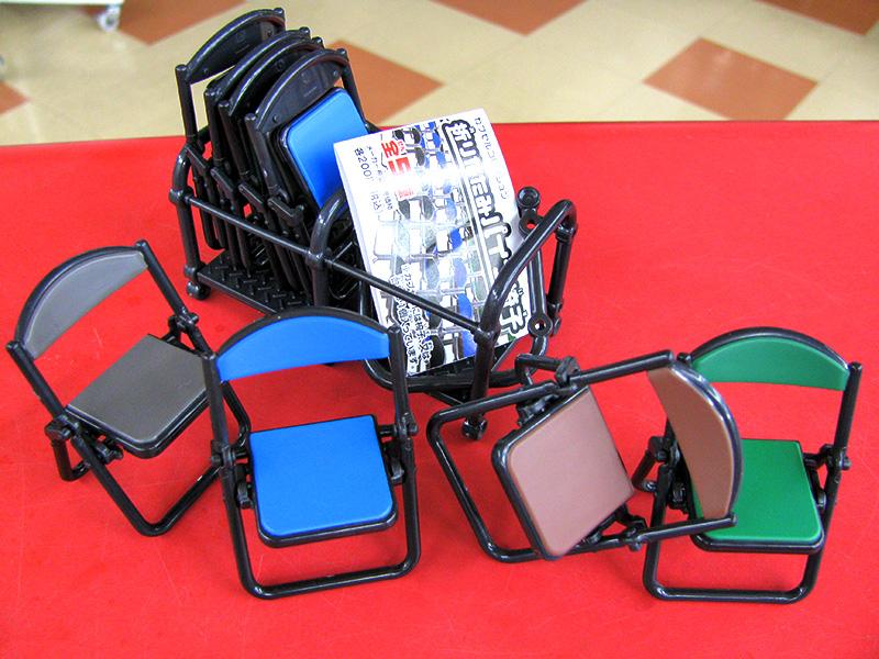 カプセルTOY 折りたたみパイプ椅子 | ハードオフ三河安城店