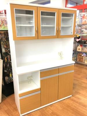 ナチュラルカラーの食器棚 入荷しました! | オフハウス西尾店