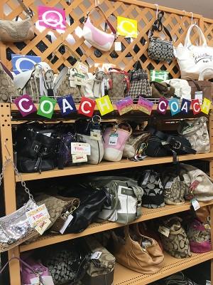COACHのバッグコーナー増設しました!!| オフハウス西尾店