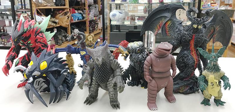 怪獣ソフビ大量| オフハウス西尾店