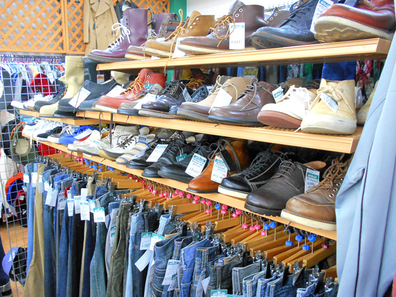 メンズ靴移動しました! | オフハウス西尾店