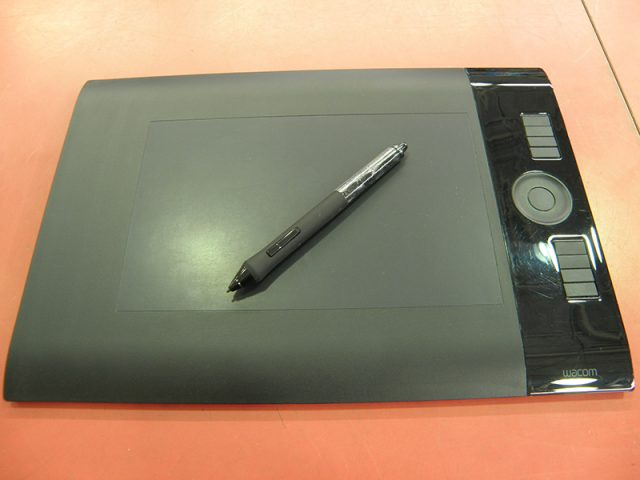WACOM ペンタブ Intuos4 Special Edition PTK-640/K1 | ハードオフ安城店