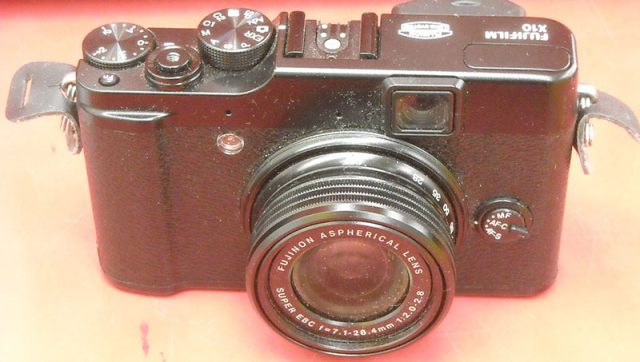 富士フィルム デジタルカメラ FUJIFILM X10| ハードオフ西尾店