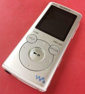 SONY デジタルオーディオ NW-E052(2GB)入荷しました| ハードオフ三河安城店