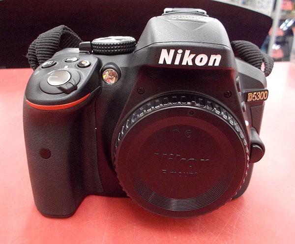 Nikon/ニコン 一眼レフデジタルカメラ D5300ダブルズームキット2| ハードオフ西尾店
