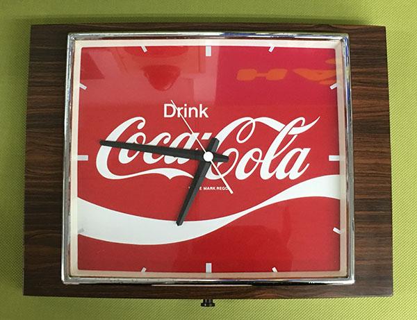 レトロなコカコーラの壁掛け時計が入荷しました!| オフハウス豊田上郷店