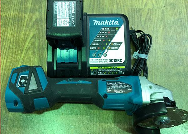 MAKITA 100mm充電式ディスクグラインダ GA412D| ハードオフ安城店