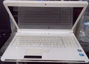 ASUS Windowsタブレット T303UA-6200GY| ハードオフ西尾店